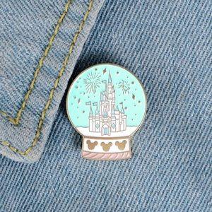 Cinderella's Castle Disney Land Lapel Pin Badge